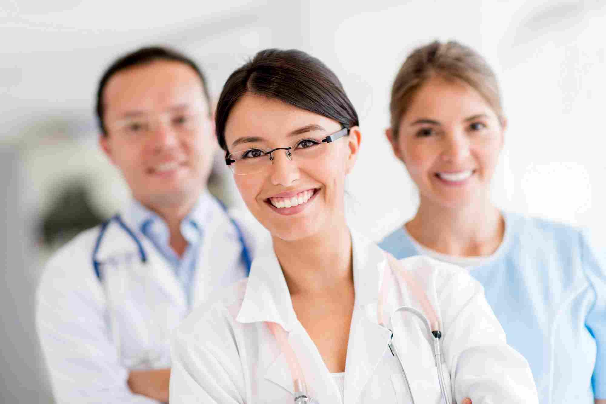 http://precioushospice.com/wp-content/uploads/2015/12/doctors.jpg